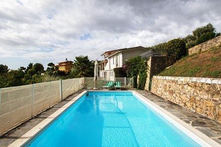 Sale Villa - Camaiore - Italy