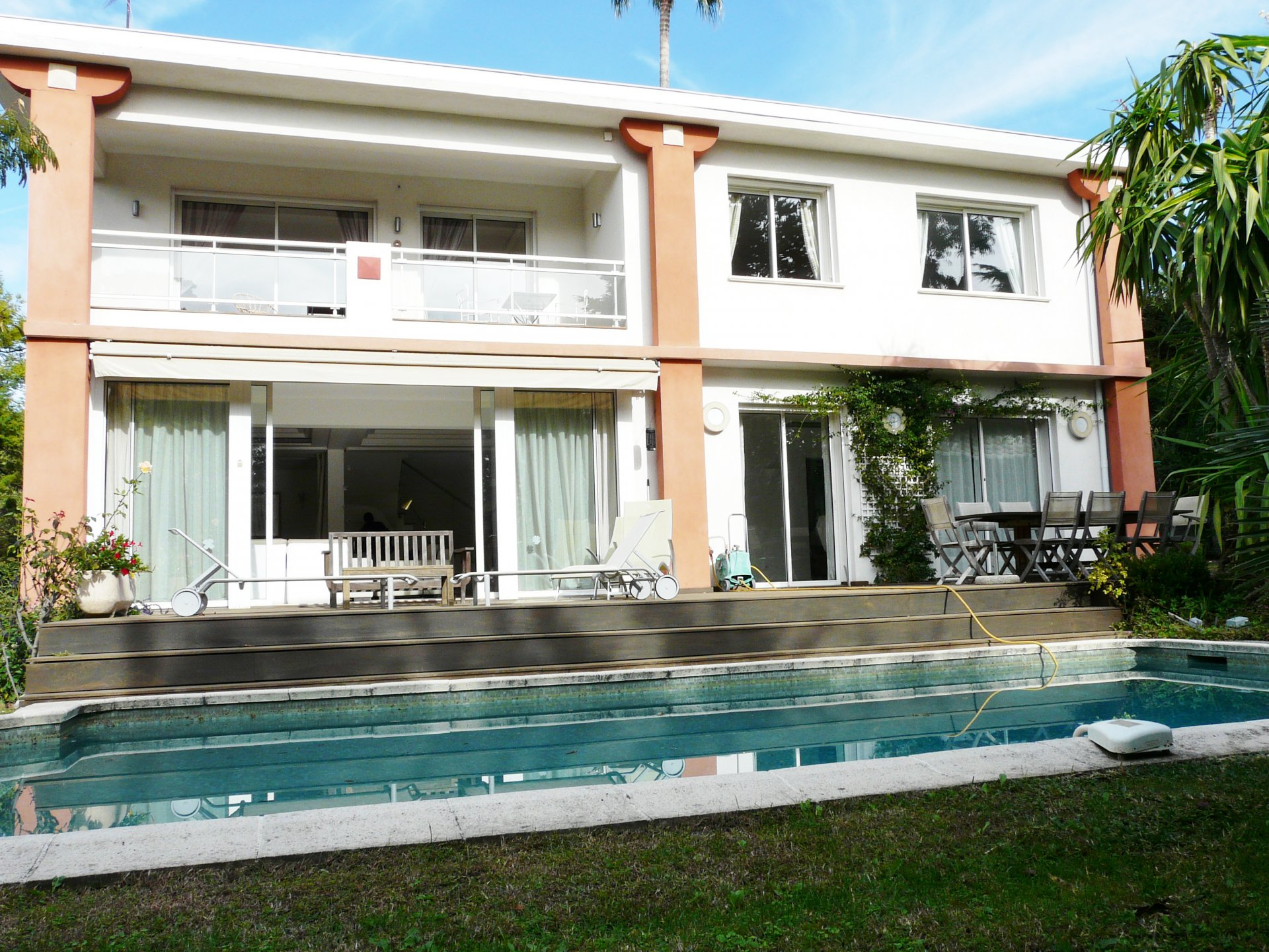 COMFORTABLE VILLA 2 MINUTES FROM THE CROISETTE
