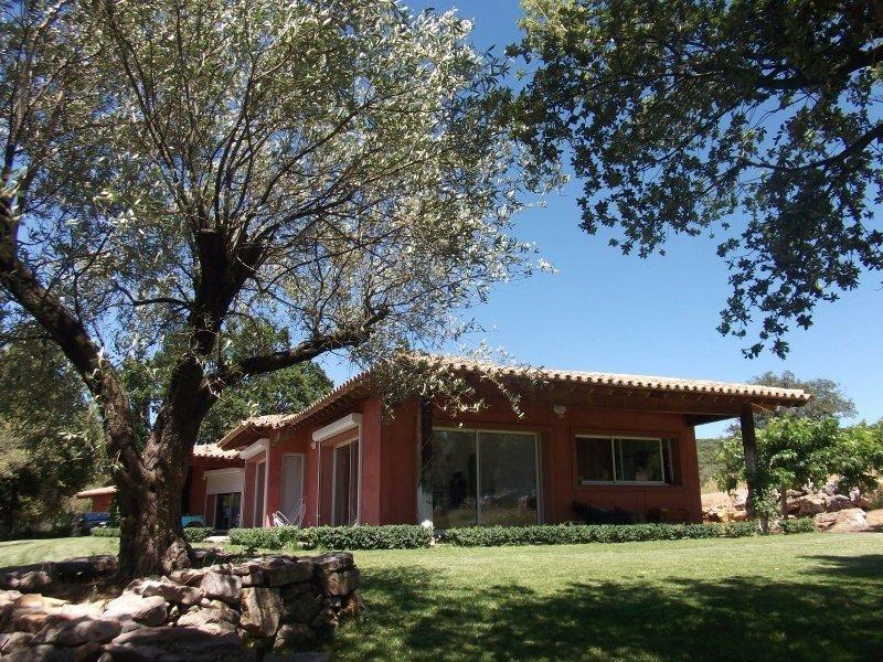 Maison contemporaine au coeur de 14 hectares