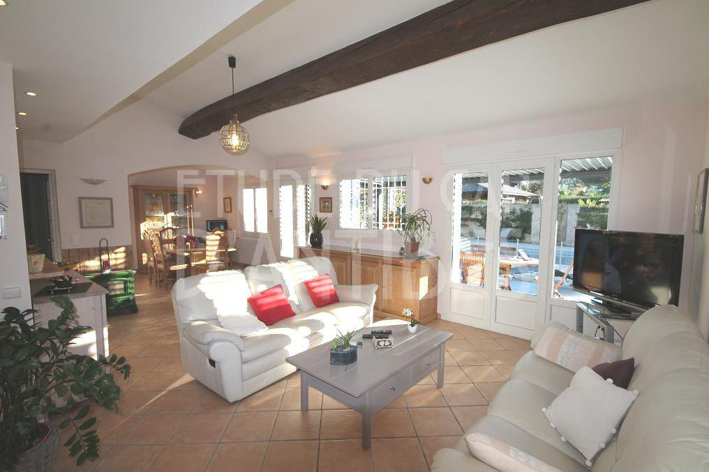 Lovely 1 storey vill to rent in Cap d'Antibes