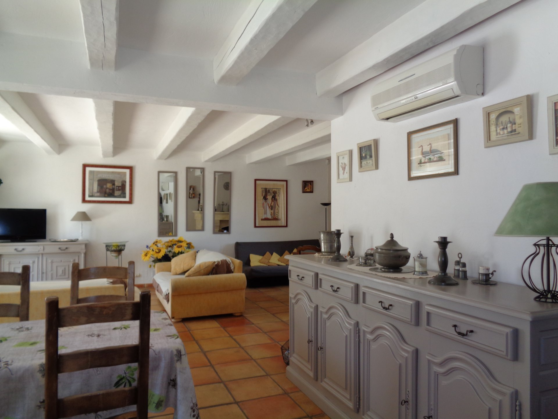 Fayence villa with large guesthouse
