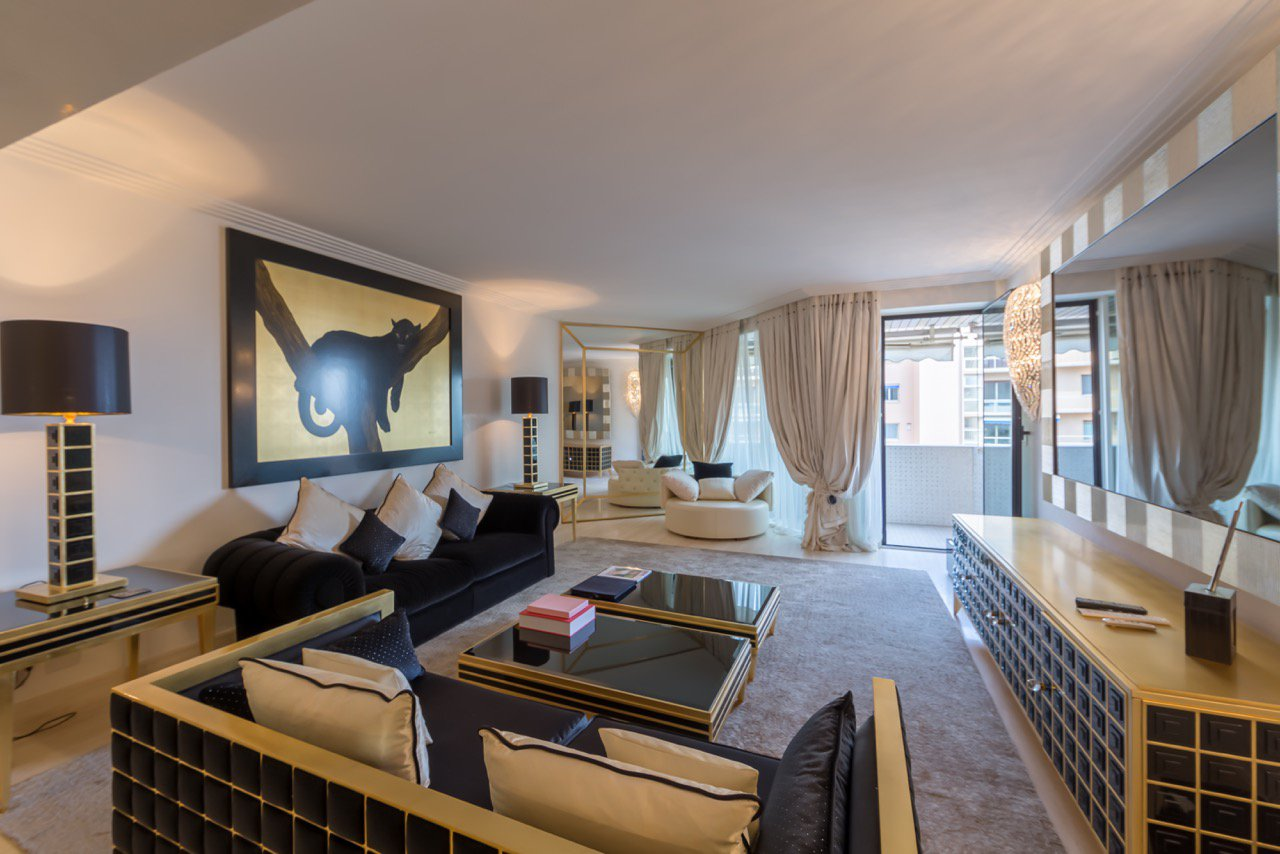 4 Bedroom Penthouse Carré D'Or