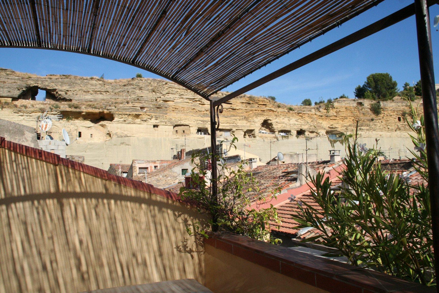 MAISON DE VILLAGE 4 pièces avec terrasse et garage