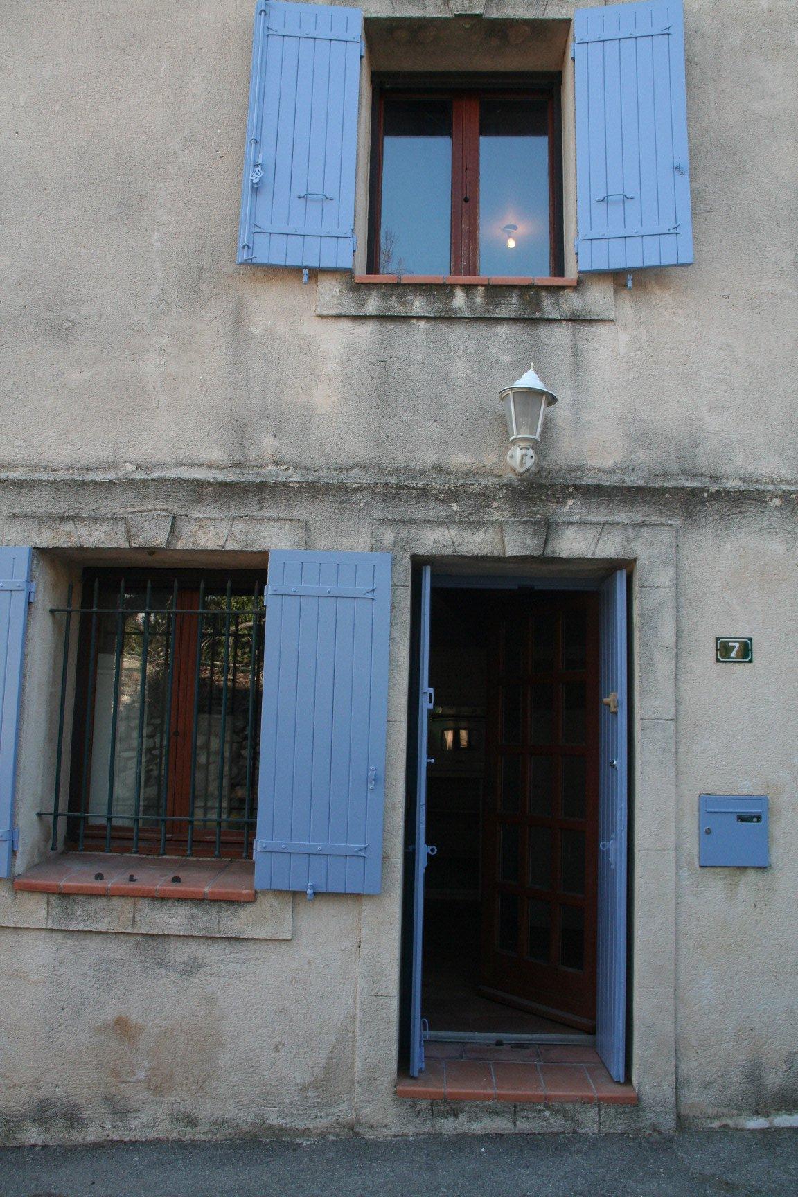MAISON DE VILLAGE à LA-FARE-LES-OLIVIERS (13 580) 2 chambres