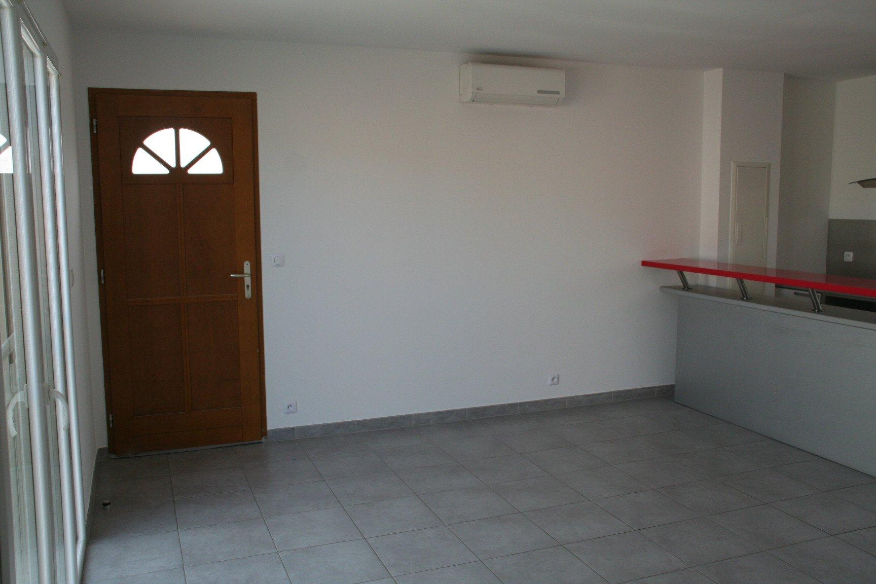 Gardanne - Type 2 avec terrasse, garage et 2 places de parking