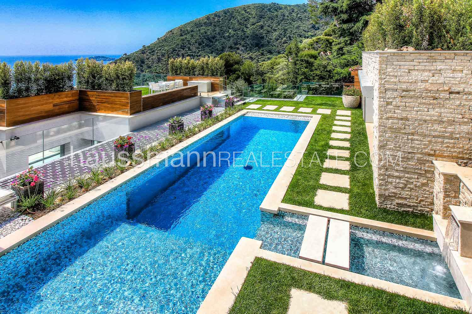 LUXURIOUS MODERN PROPERTY IN EZE