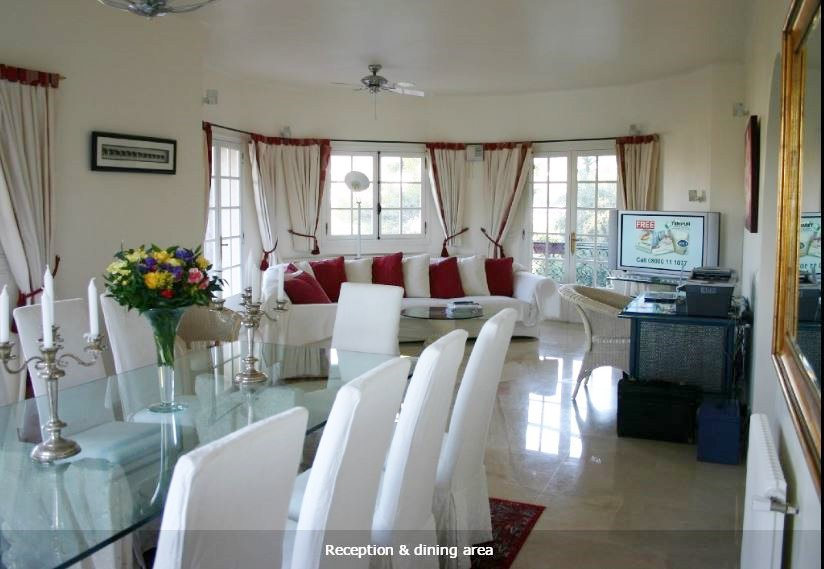 Beautiful, Exclusive Air Conditioned Villa with 17m Private Pool