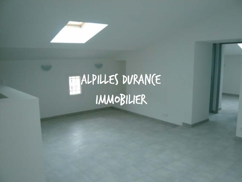 Village center, new apartment on the 2nd floor of type 3, any comfort including an equipped kitchen,