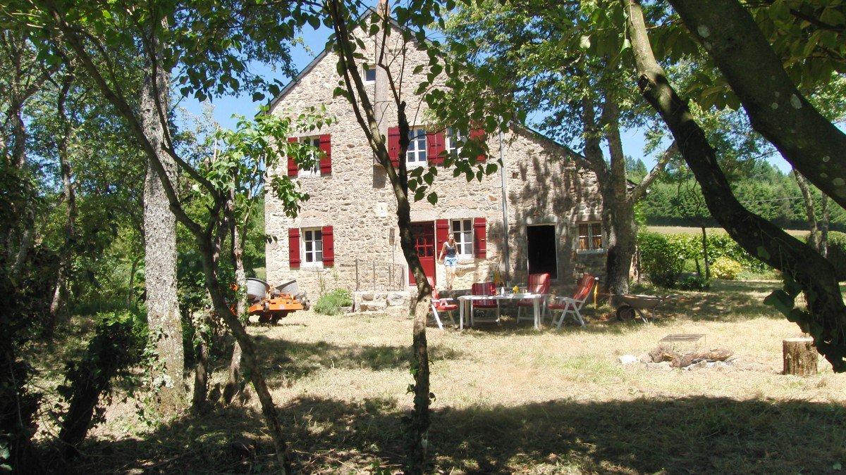 """Ancien """"Relais de Poste"""" LUZY Nièvre - Sud-Morvan"""