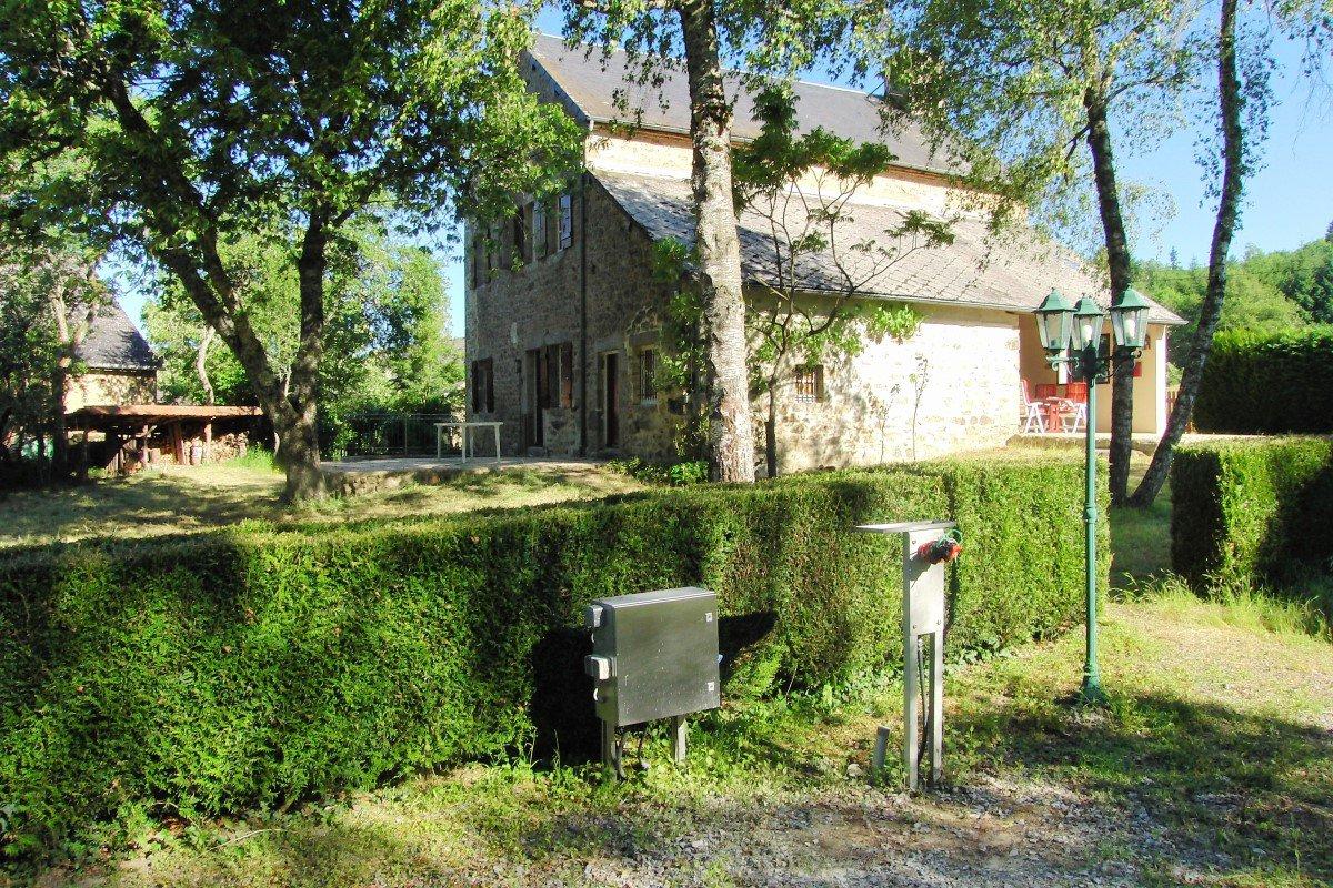 """Voormalig """"Relais de Poste"""" Luzy 58-Nièvre Zuid Morvan"""