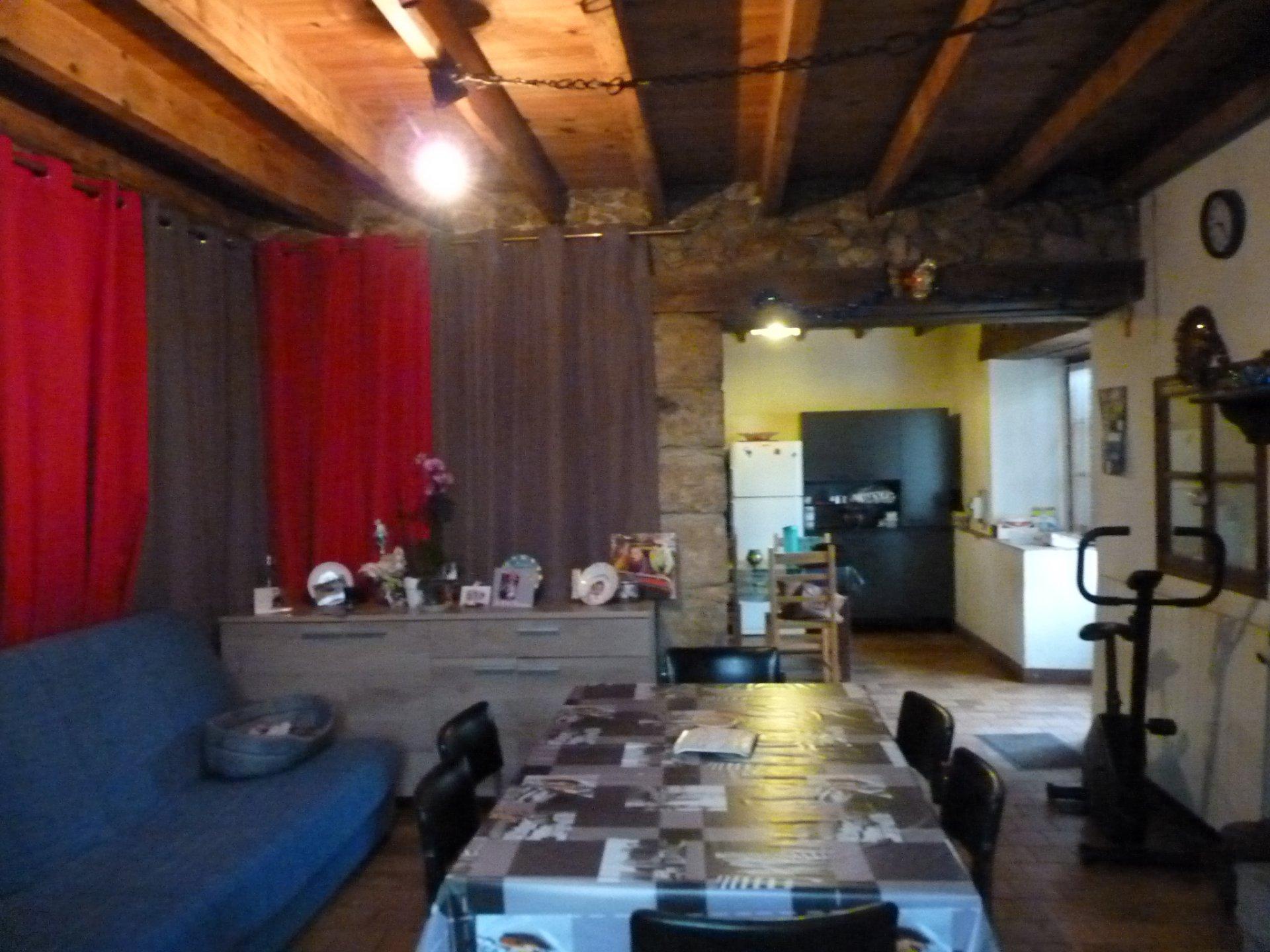 Proche d'Aurignac,  charmante maison en pierre sur 1700 m² de jardin