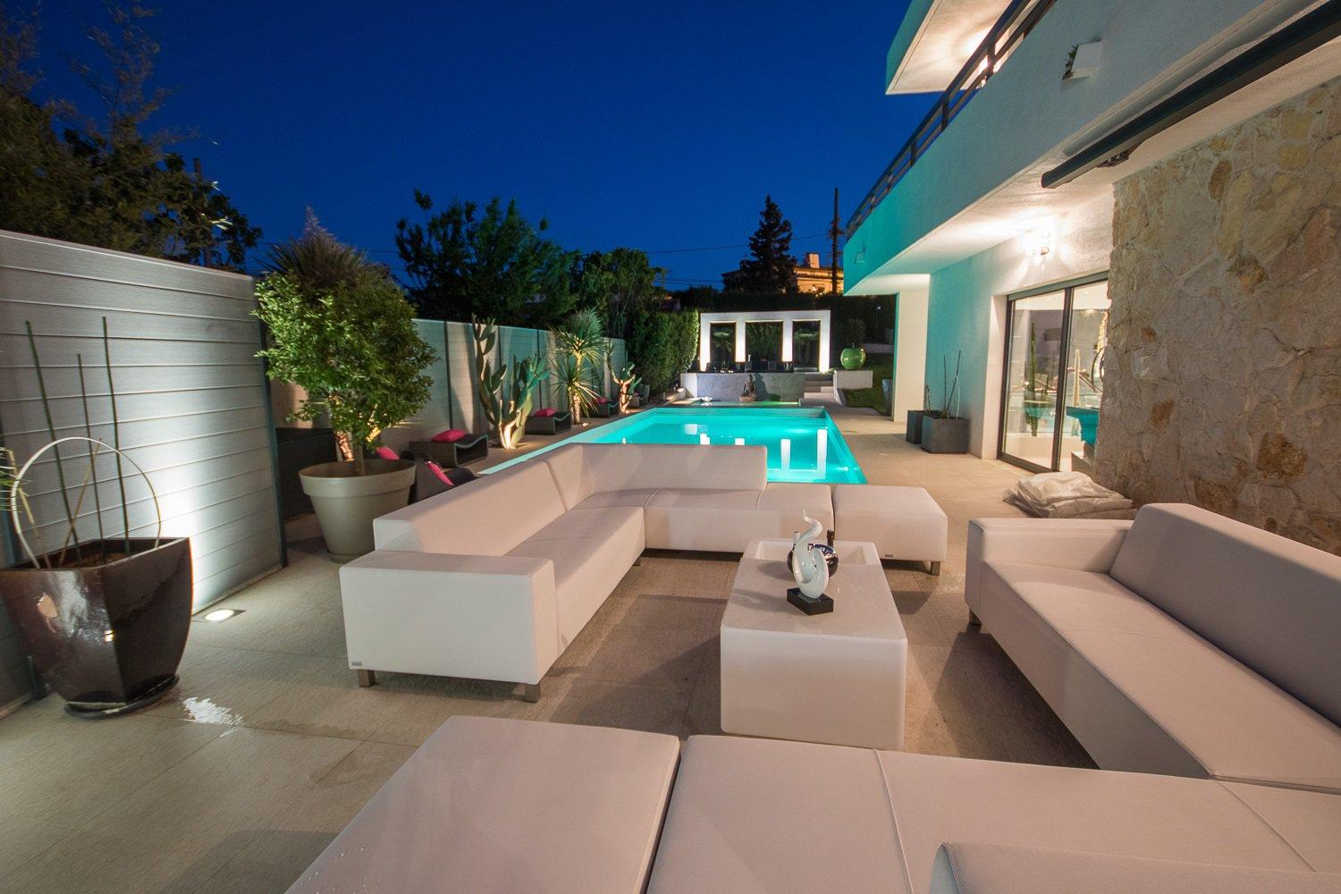 BEAUTIFUL CONTEMPORARY VILLA AVAILABLE IN AUGUST