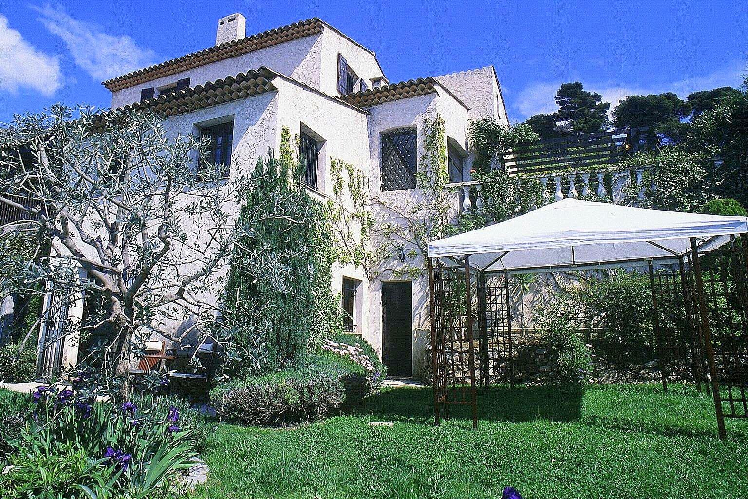 Apresmont villa 9p