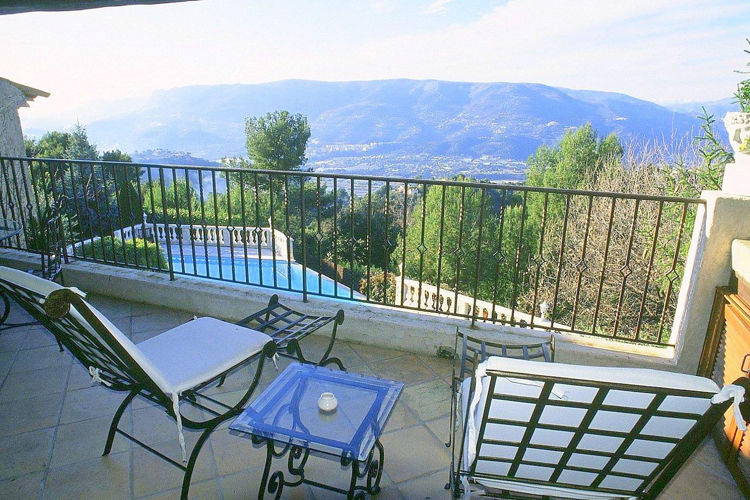 Aspremont villa 9p terrasse
