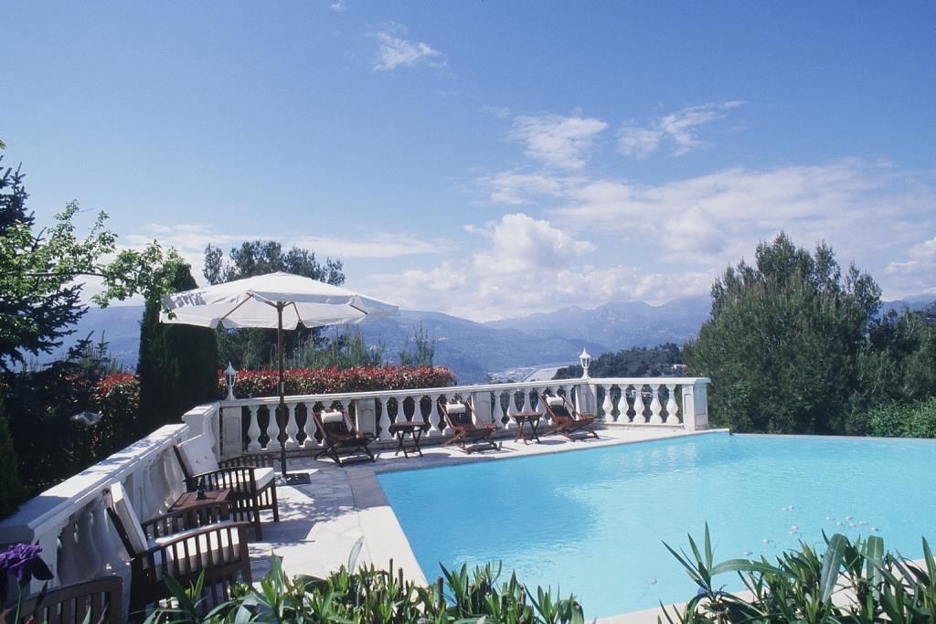 Aspremont villa 9p piscine