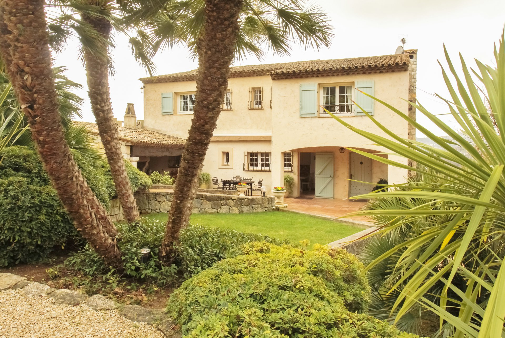 Provencal villa at only 250 meteres from the historical center of Valbonne Village.