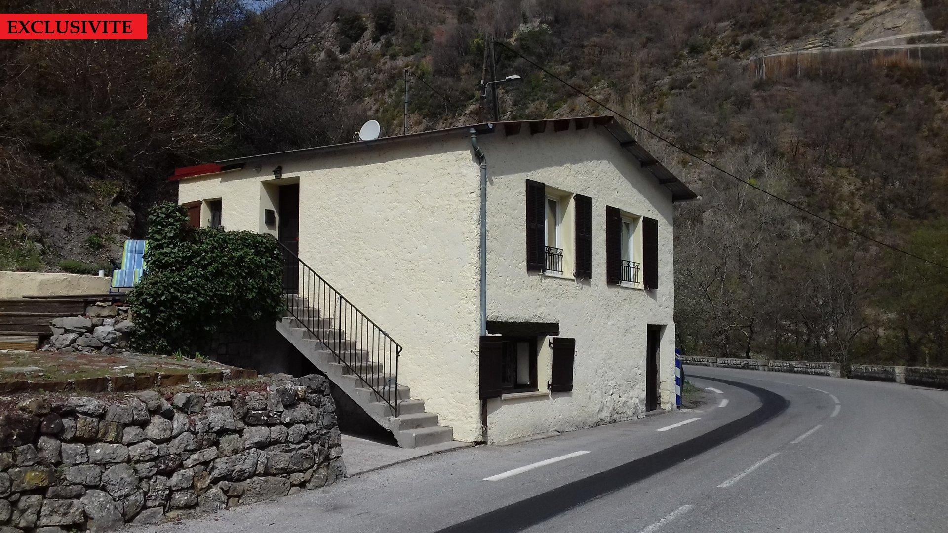 Maison individuelle de 53 m² + 2 hectares de terrain