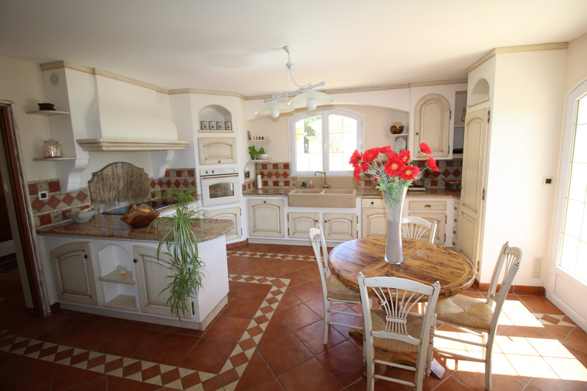 Besse sur Issole, a charming house in the heart of Green Provence