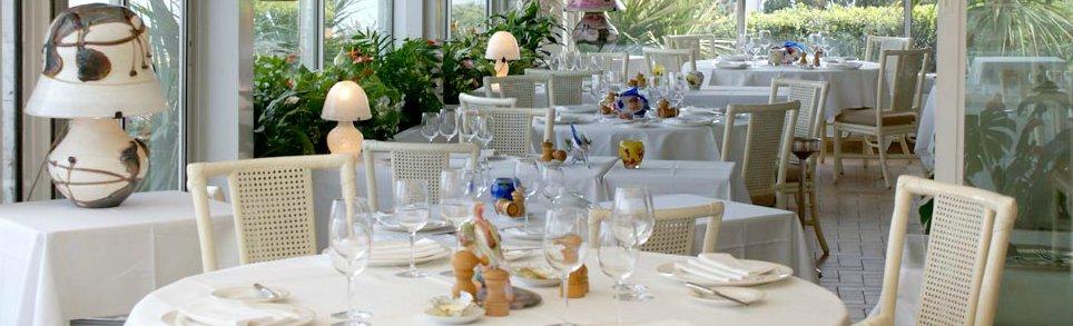 位于安缇布海岬的海鲜美食餐厅出售
