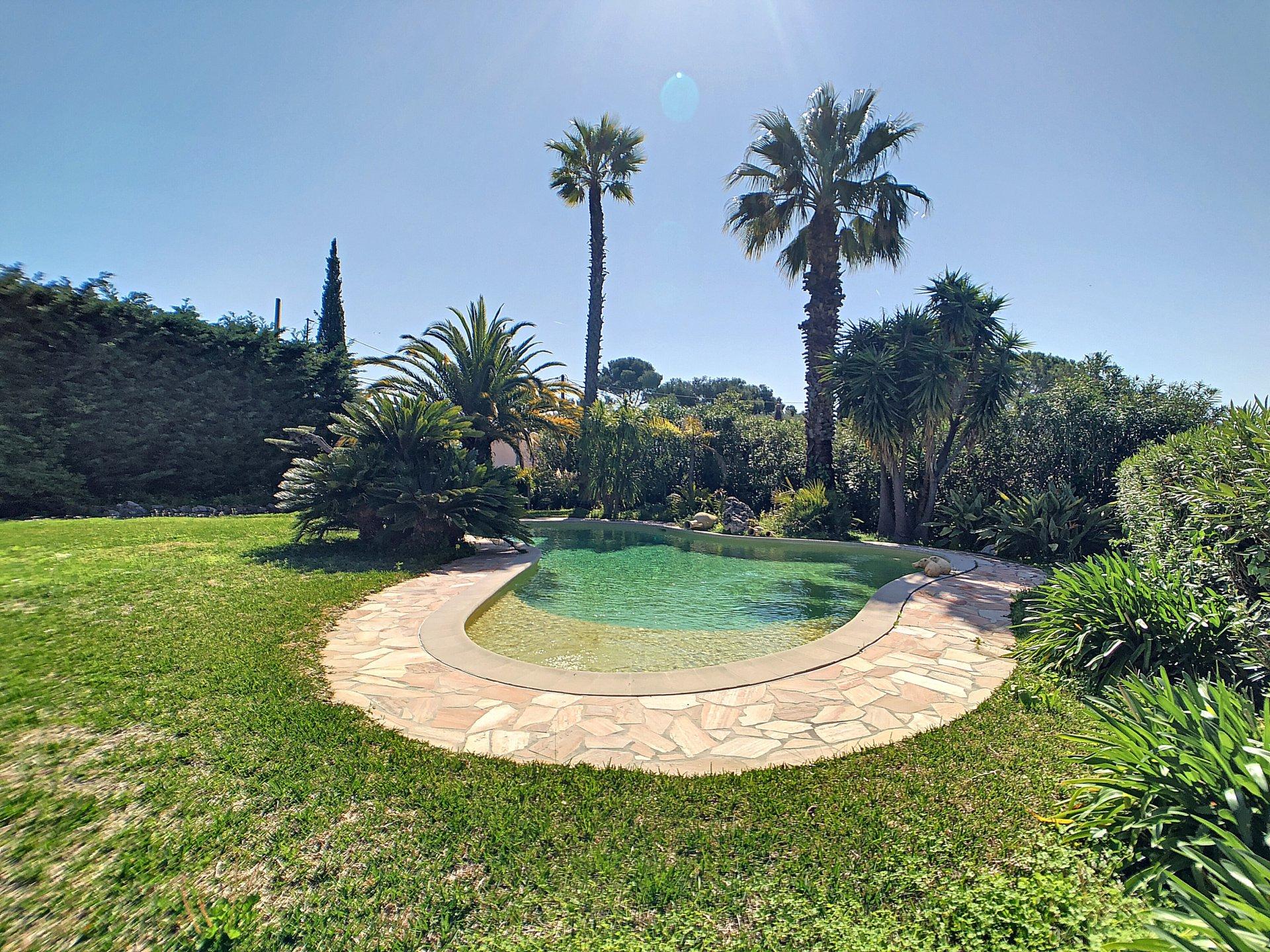 Villa con vista mare