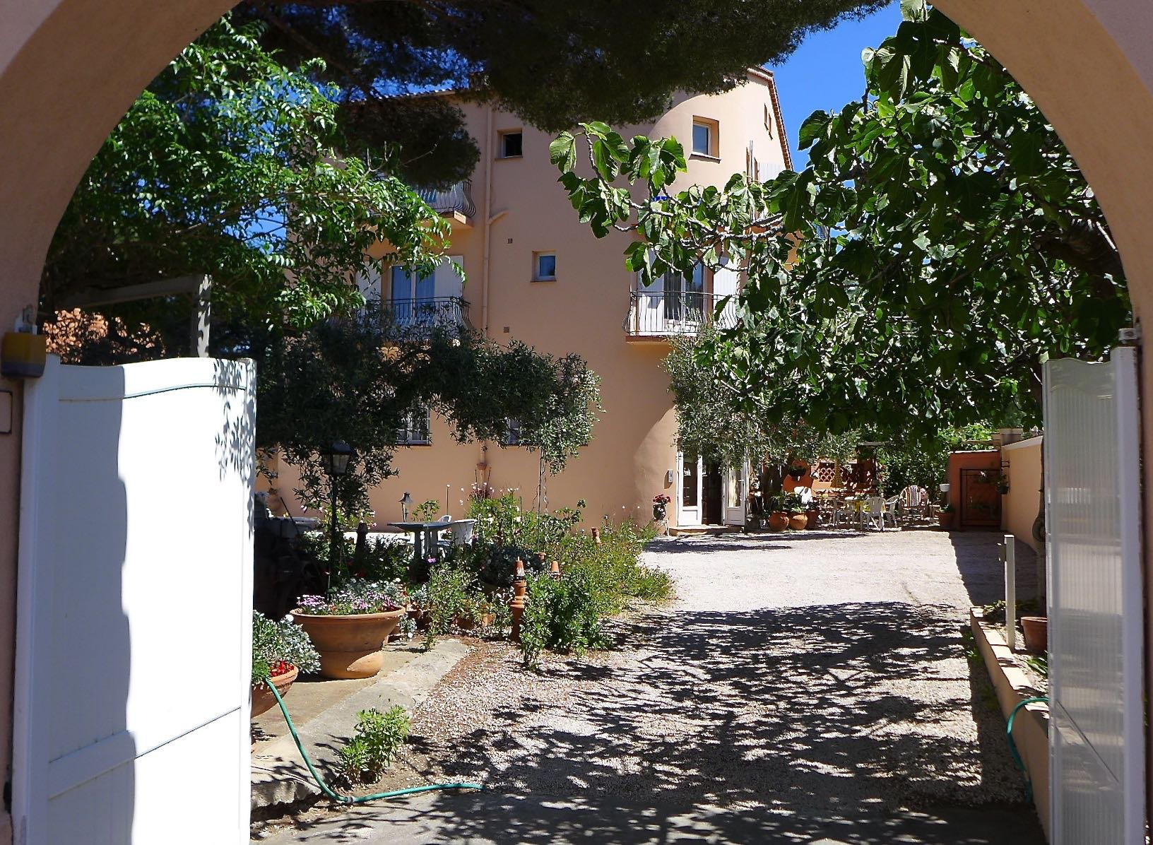 Sea side bed and breakfast property Cavalaire sur Mer Var Provence