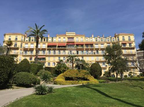 Bourgeois Apartment - Sea view - 400 m from the beach - Cannes