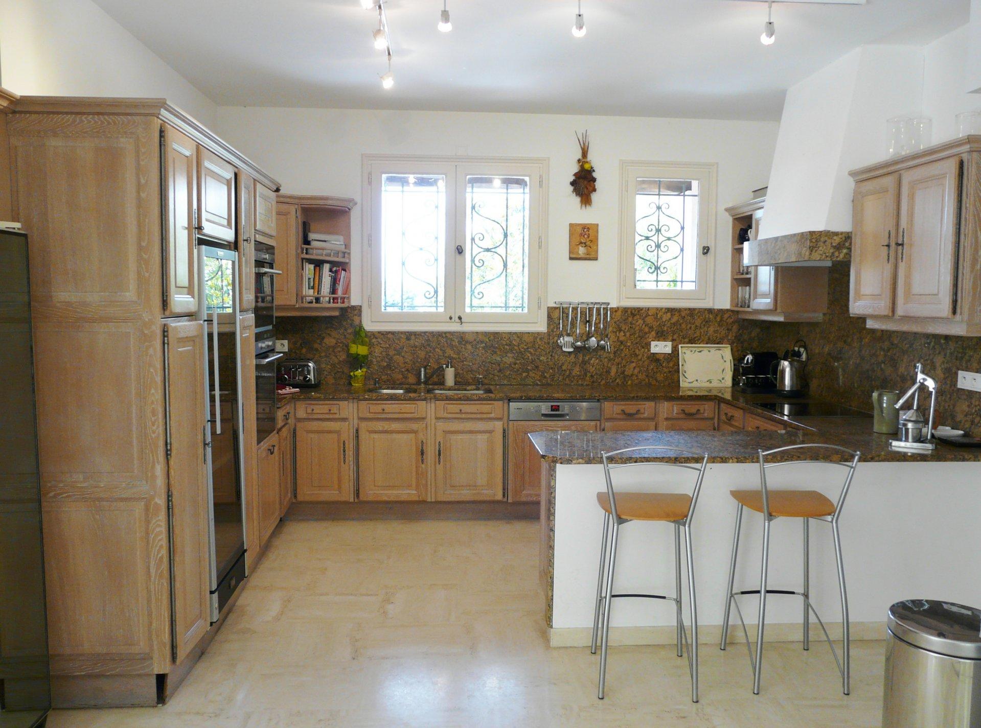 Kitchen, natural light, stainless steel, kitchen bar