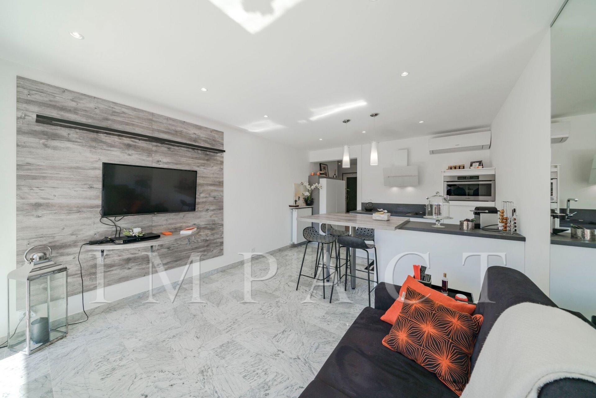Kitchen bar, stainless steel, skylight