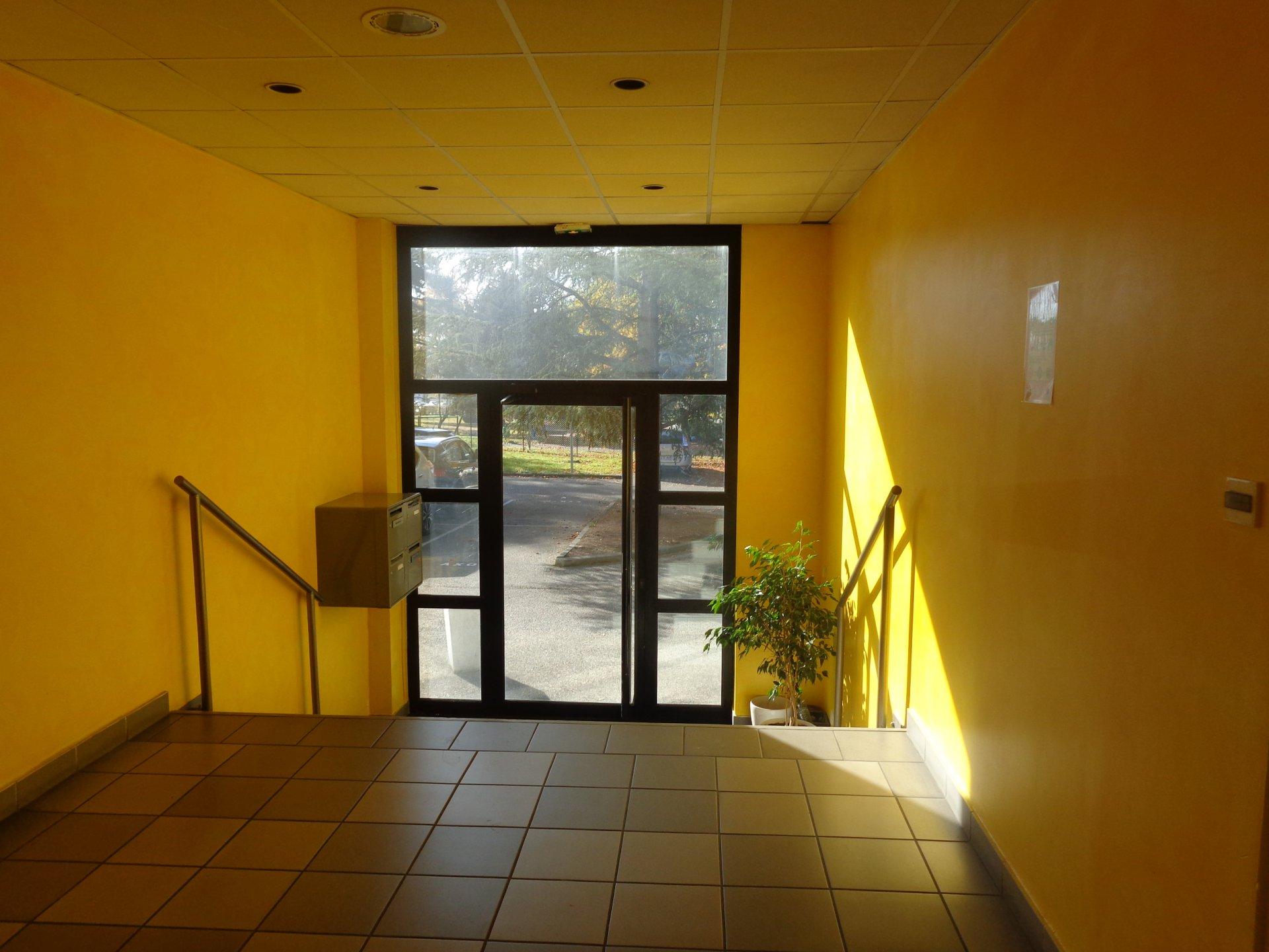 Sale Office - Francheville