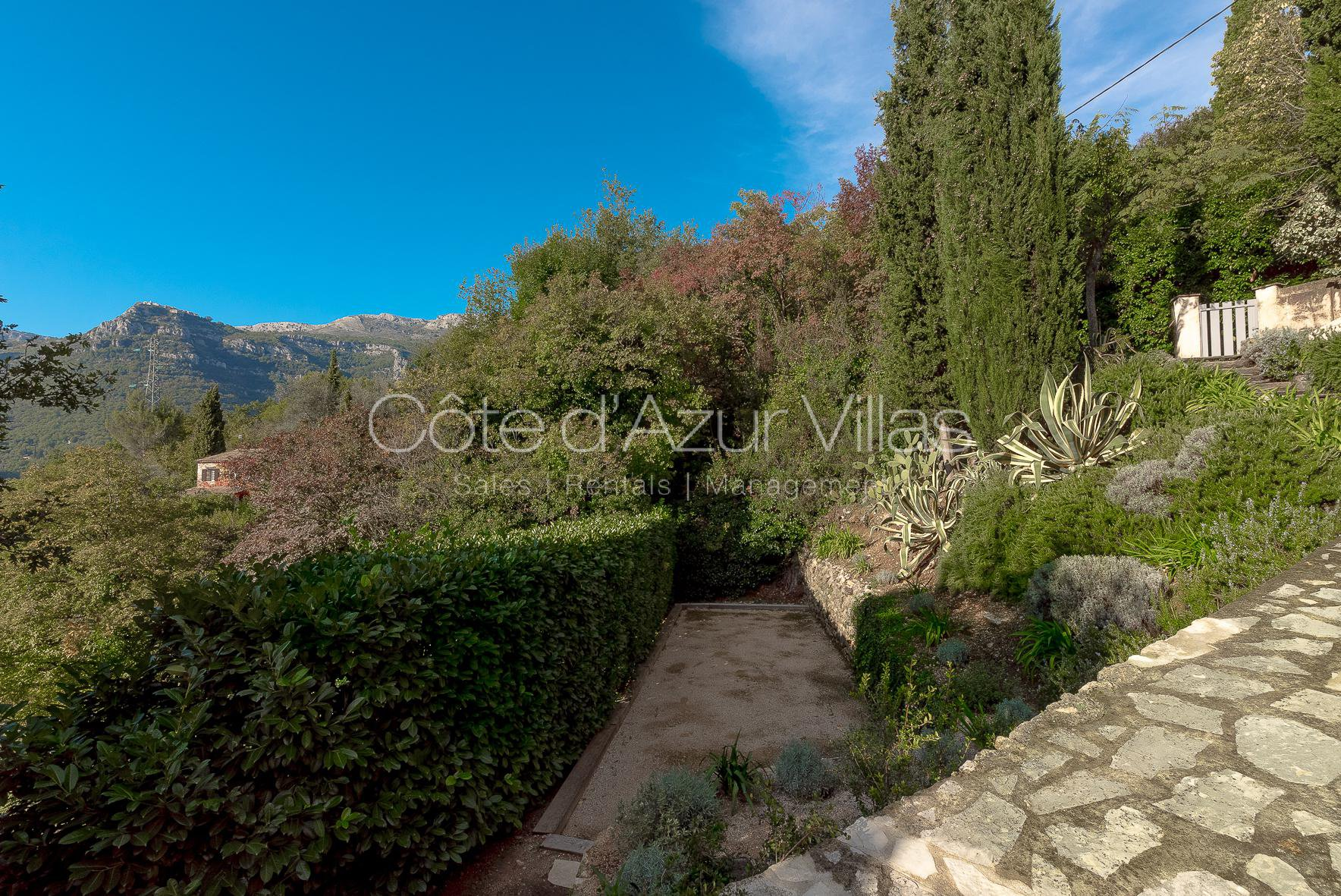 Tourrettes sur Loup - Beautiful house with views over  village