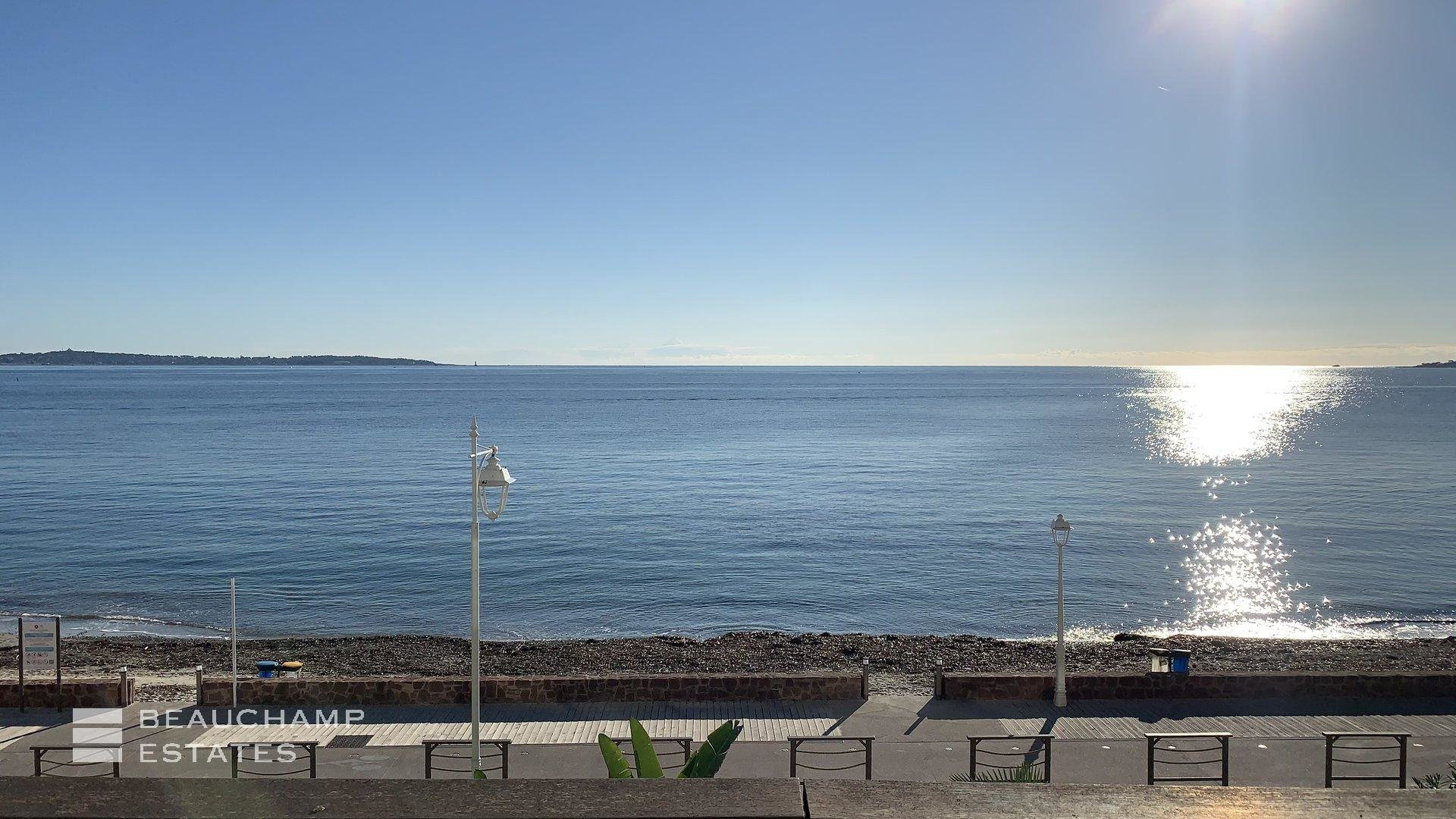 Modern 4 Bedrooms Apartment for Sale in the Palm Beach Area of Cannes