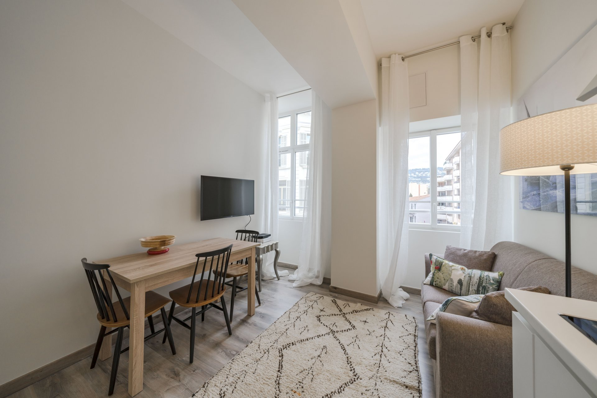 Congress rental one bedoom in center of Cannes -Martinez area