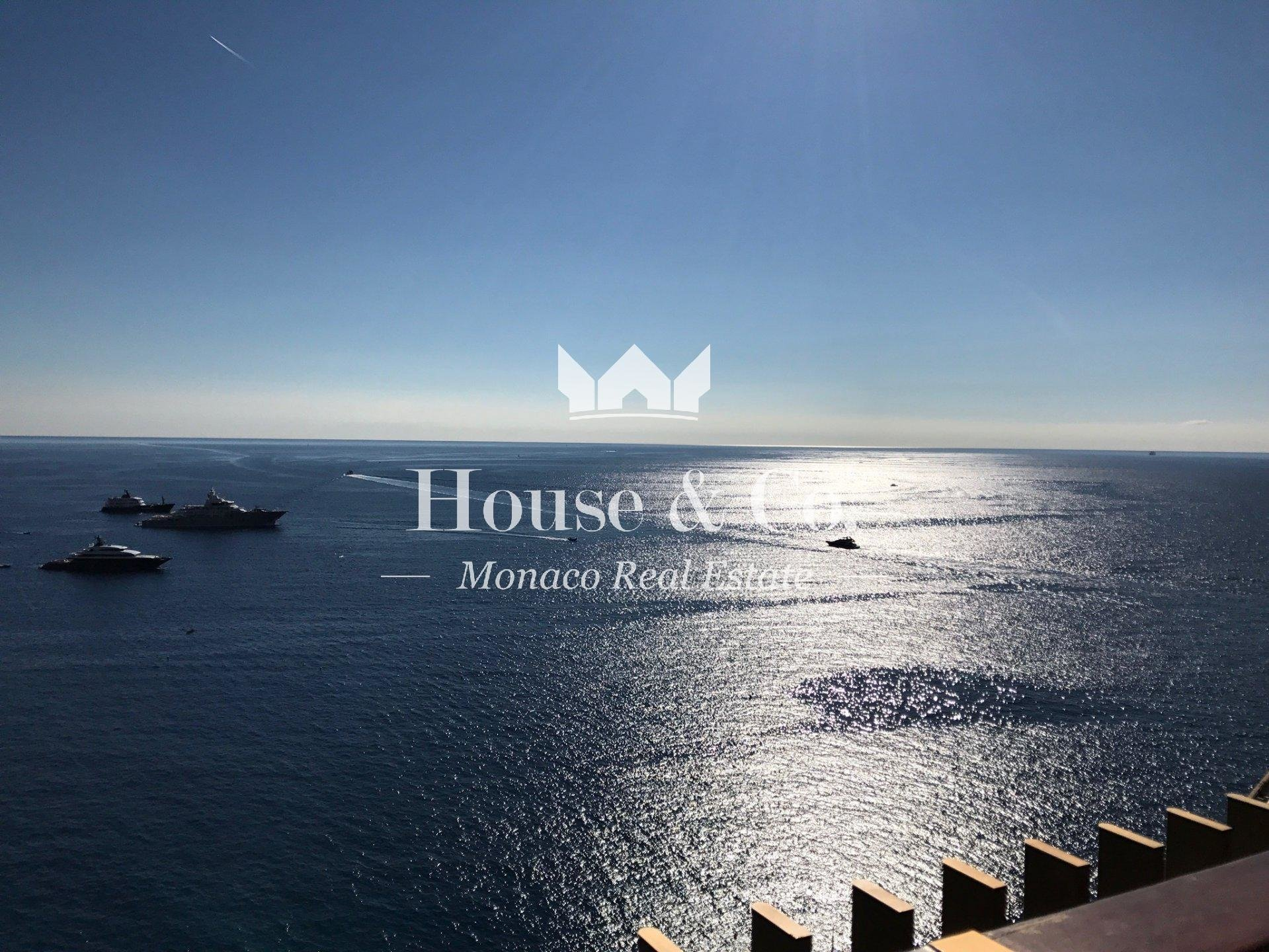 3 BEDROOM APARTMENT WITH PANORAMIC SEA VIEW IN THE CENTER OF MONACO