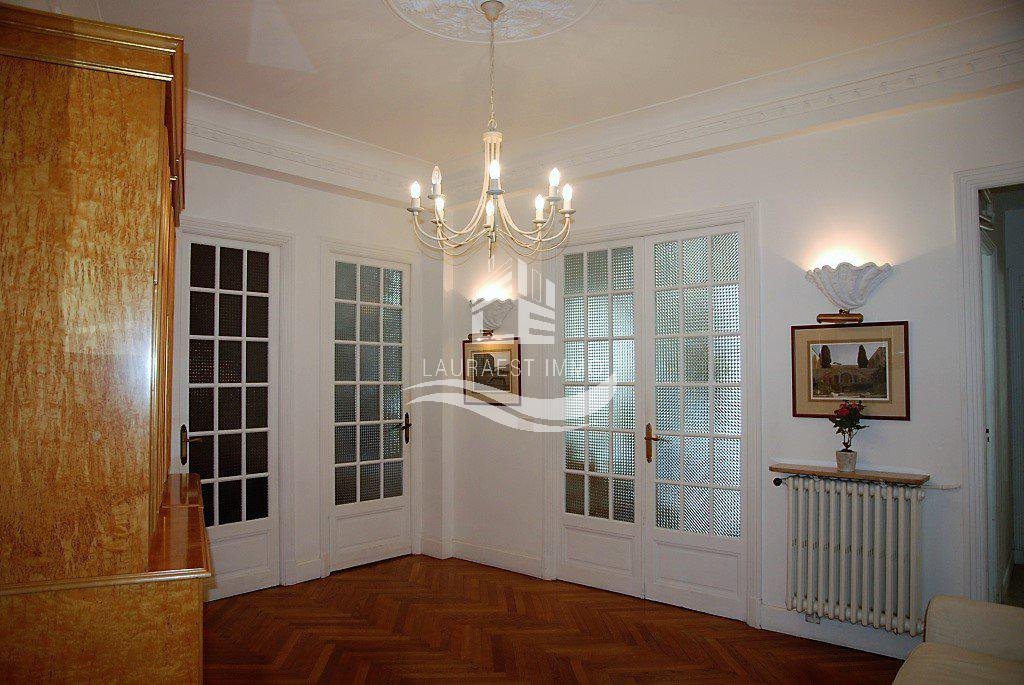 Appartement  4 pièces NICE- Bd Victor Hugo