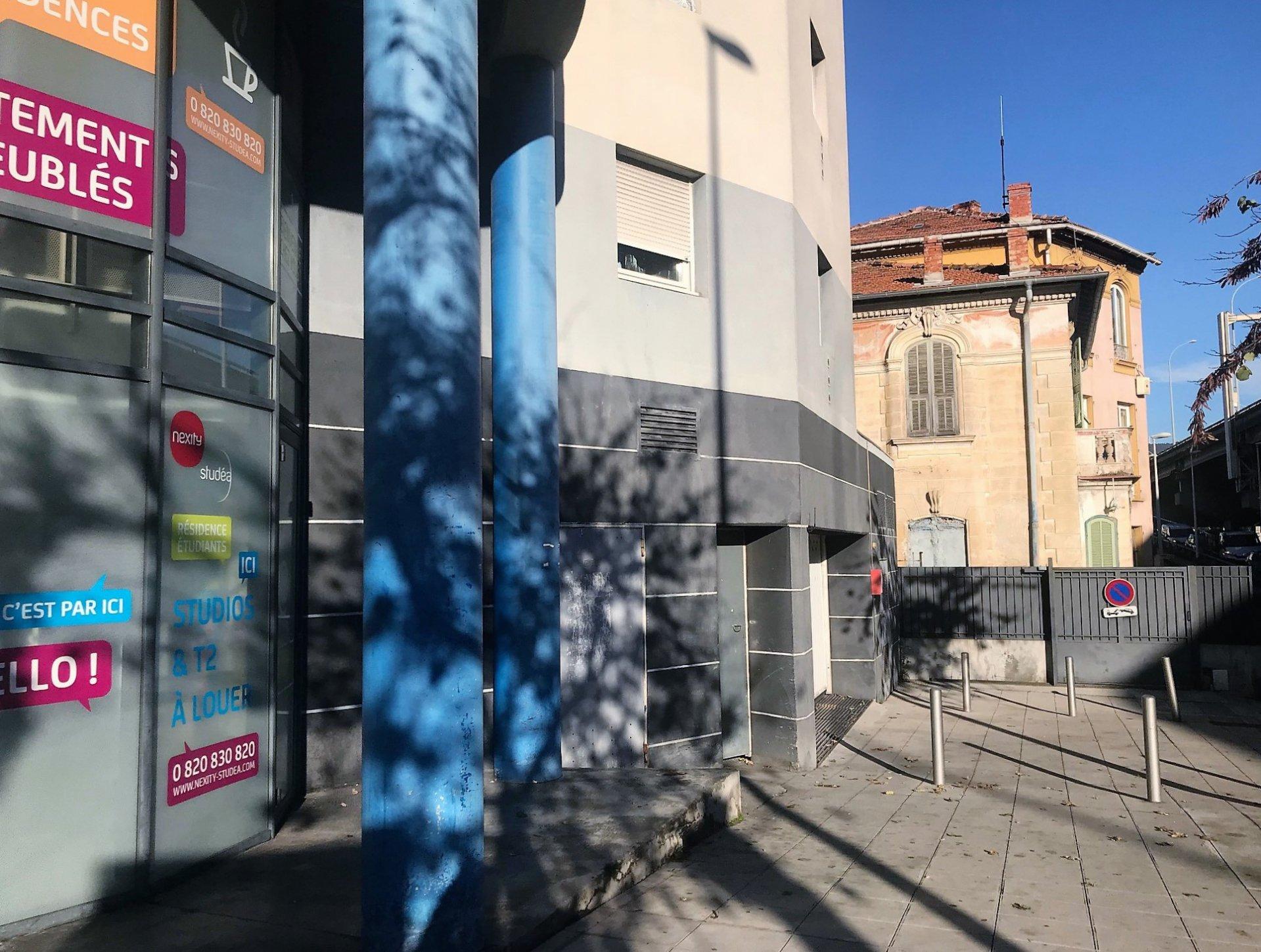 Nice Estienne d'Orves : parking sous-sol à vendre