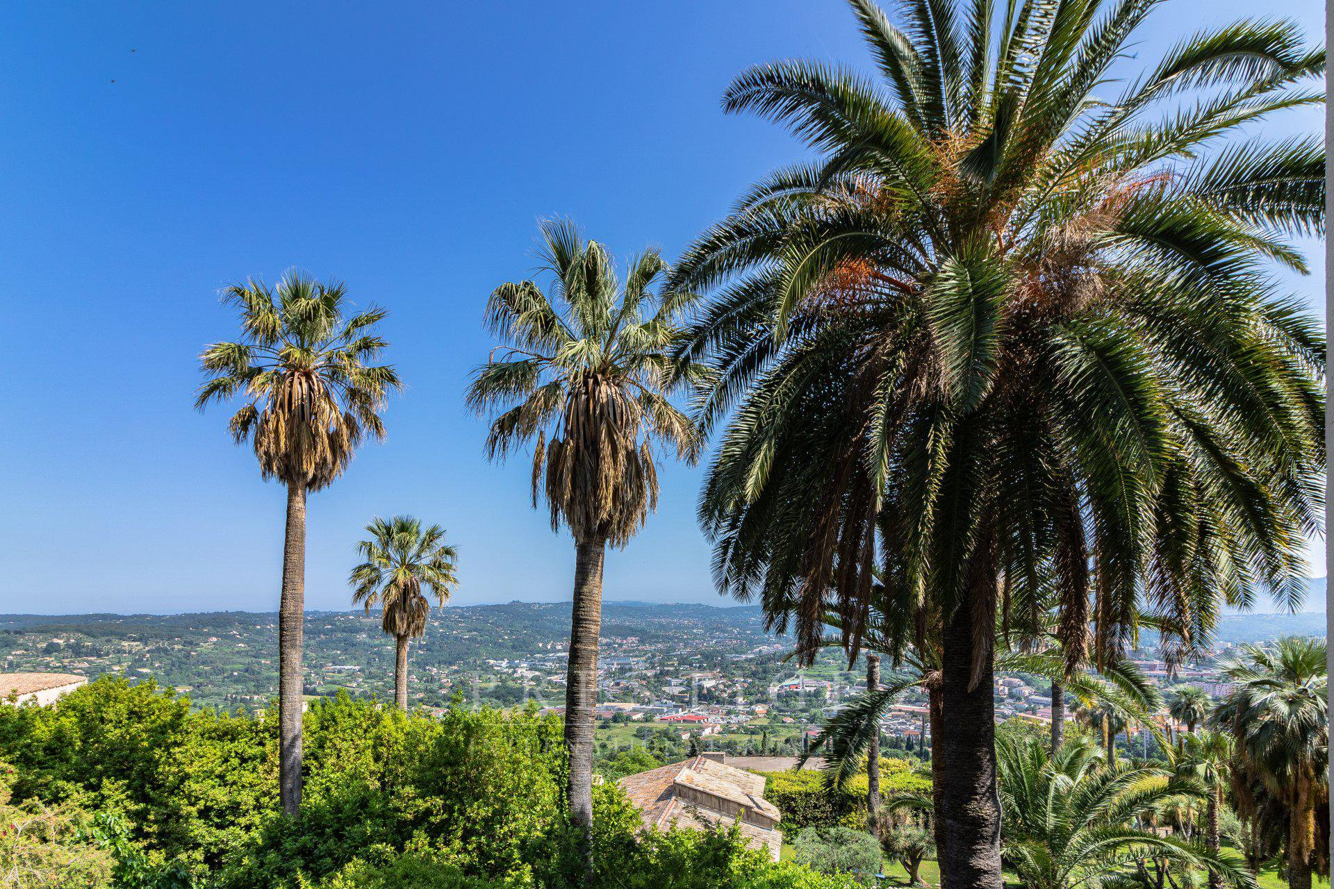 Grasse, duplex sea view, 2 bedrooms.