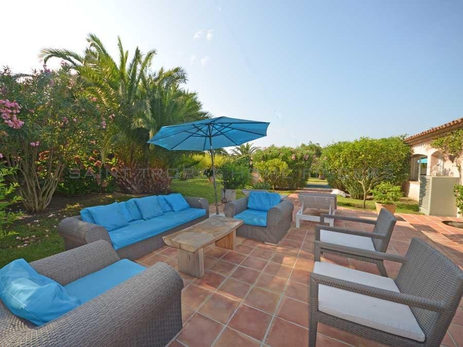 Villa in walking distance to the beach