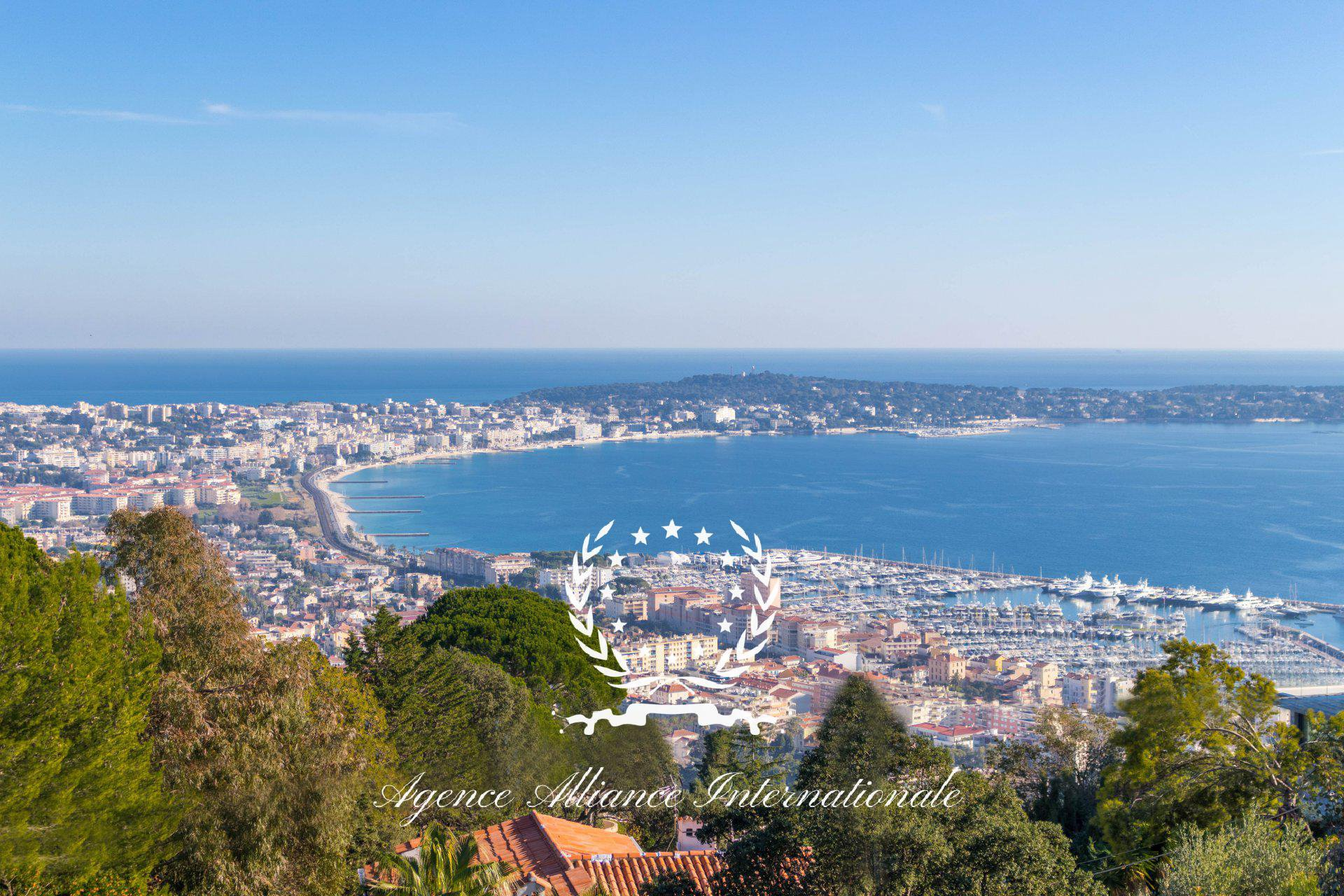 Villa Provençale 350m2 with Panoramic View Sea & Cap d\'Antibes with ...