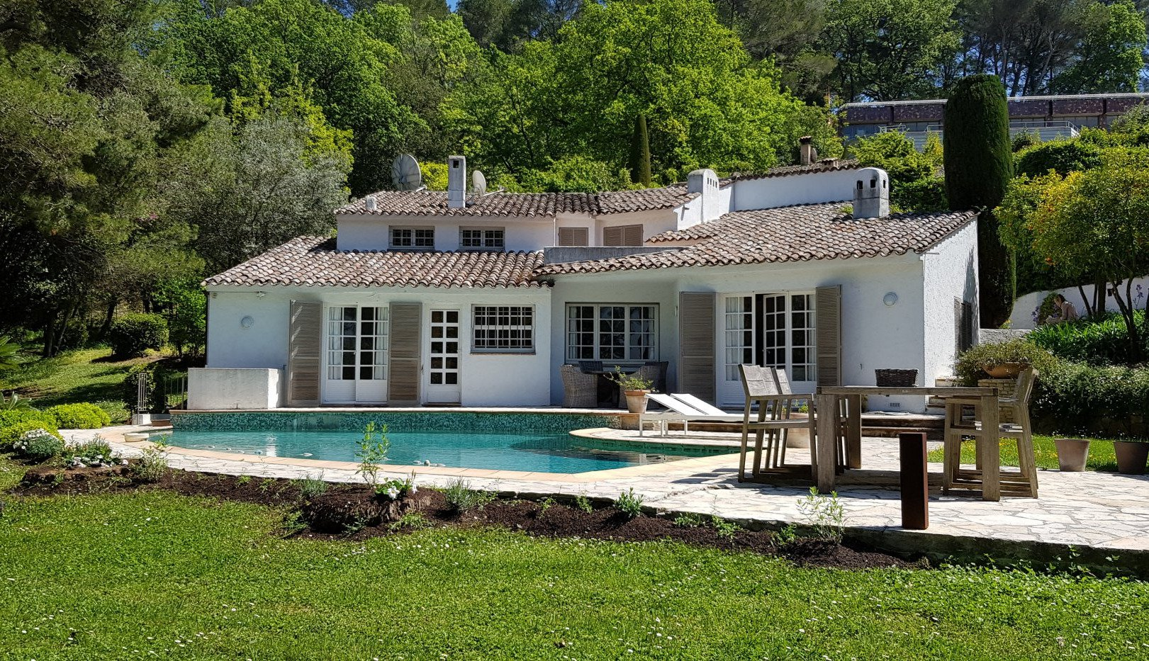 Charming home close to the pricuresque village of Mougins