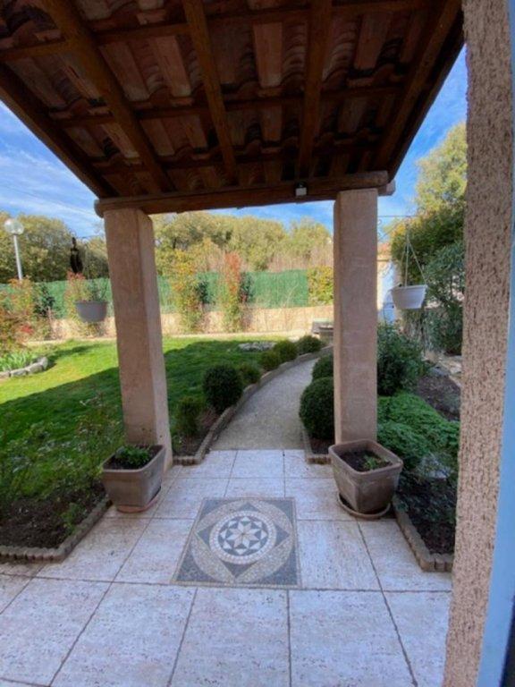 Villa 4 chambres avec garage piscine