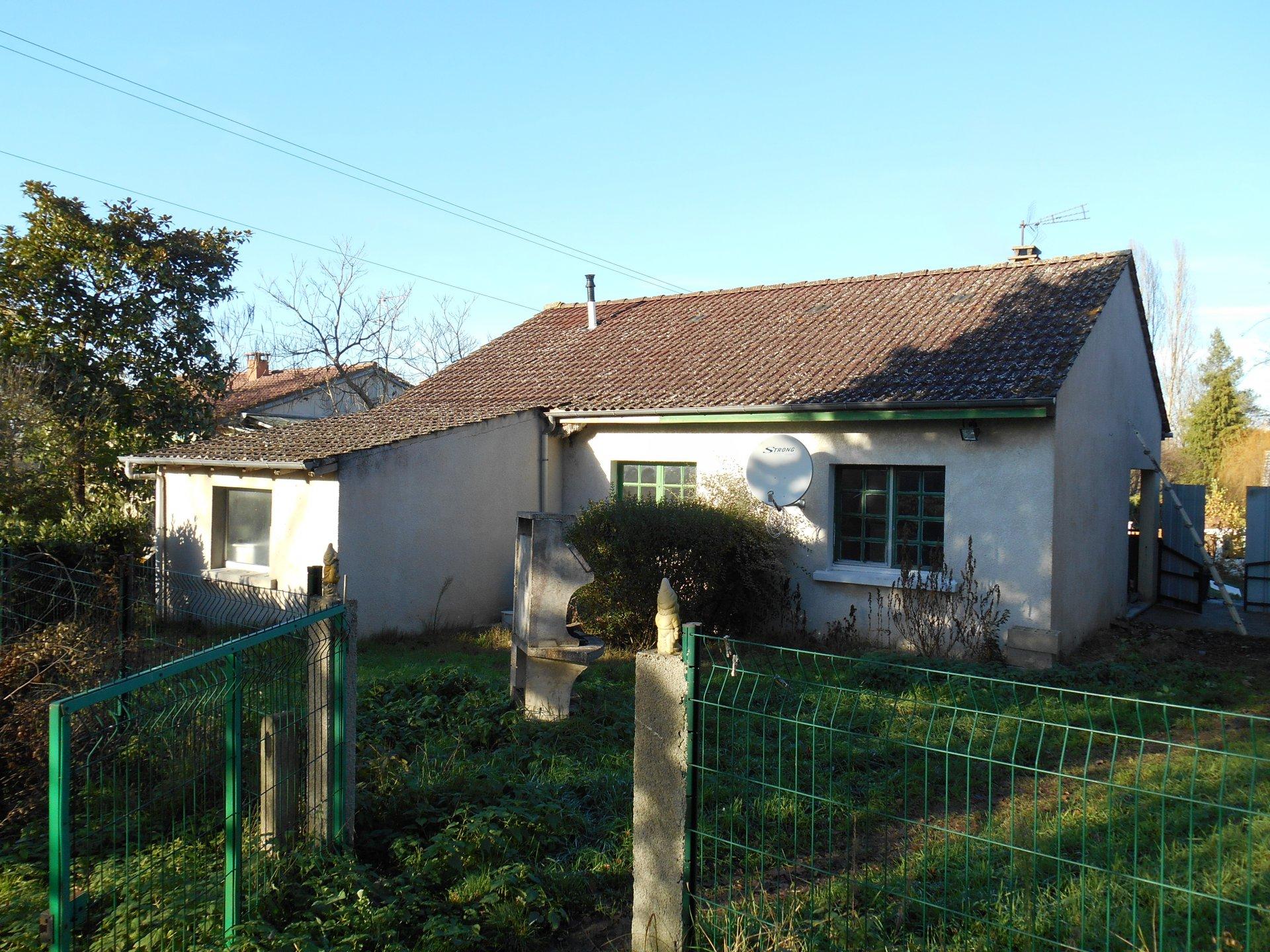Sale House - Saint-Hilaire-de-Court
