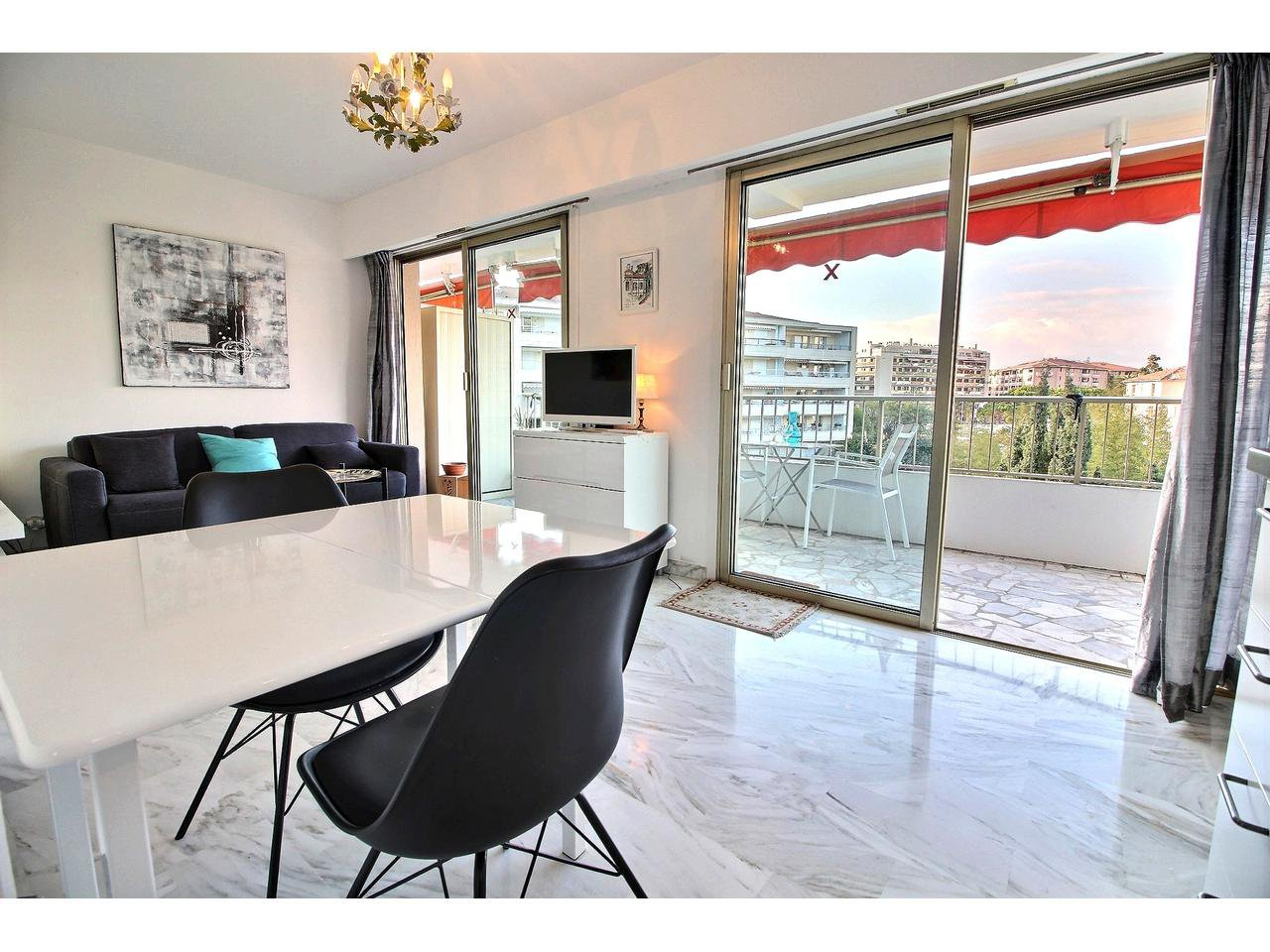 Beautiful studio flat for sale in Cannes Basse Californie