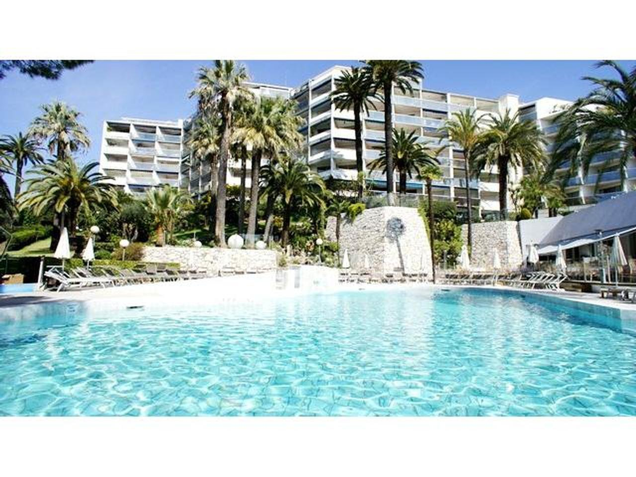 Apartment for sale swimming pool sea view 06400 CANNES Montfleury Riviera