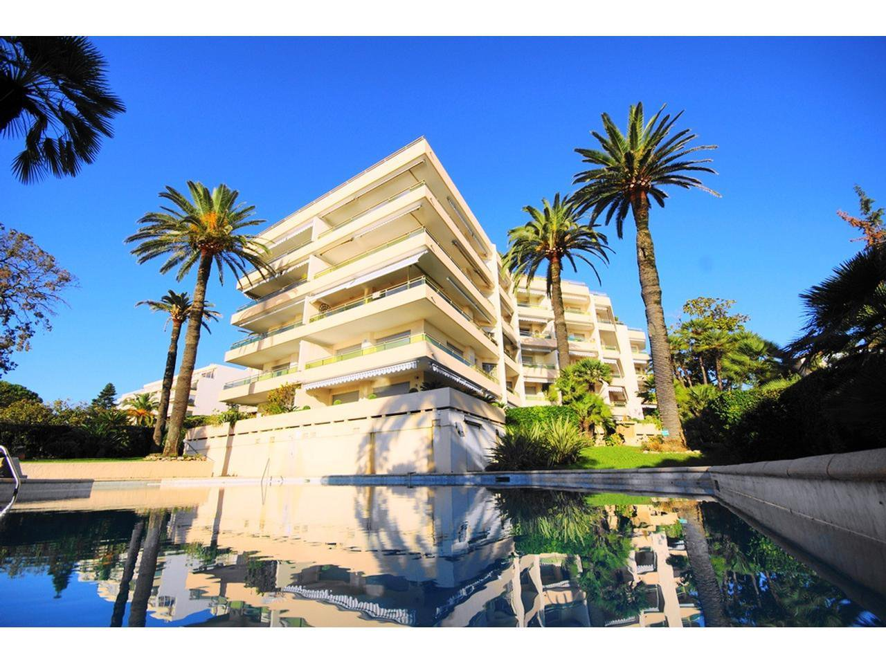 1 bedroom apartement for sale Cannes Palm Beach - Sea view