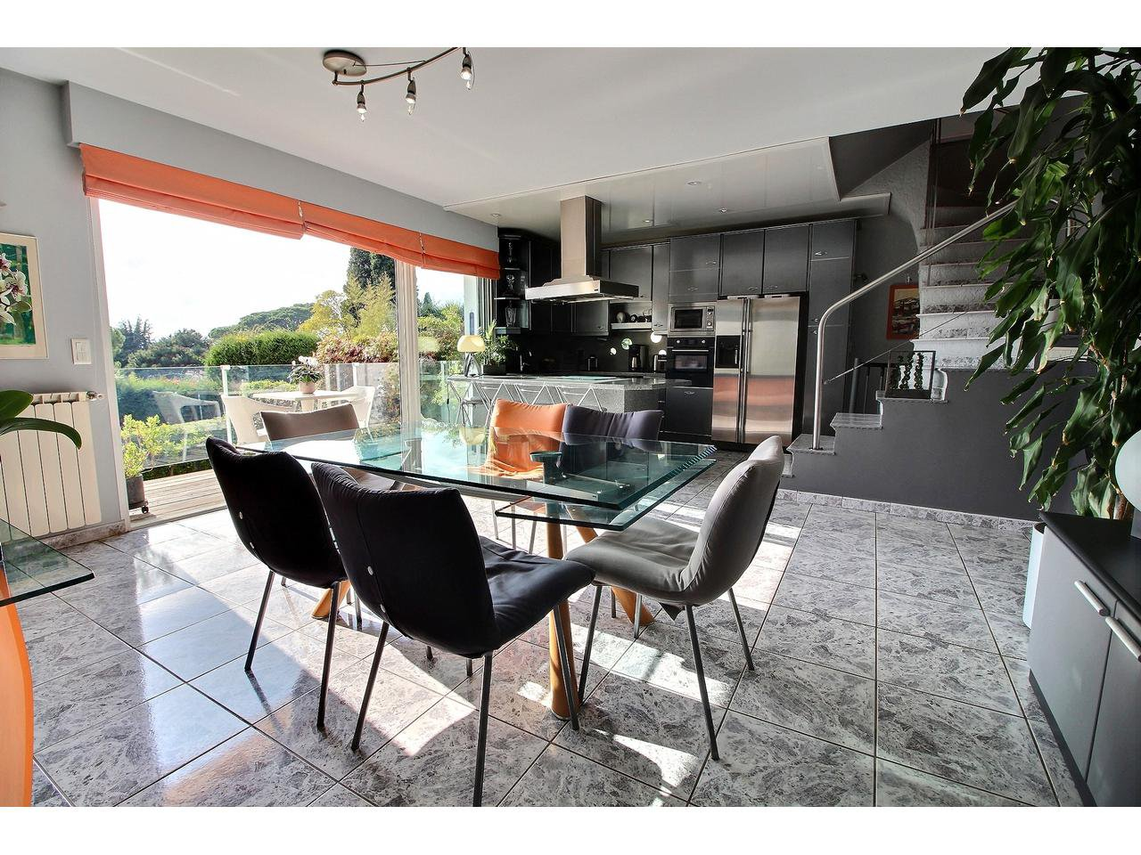 Beautiful villa for sale in Cannes Californie with swimming pool