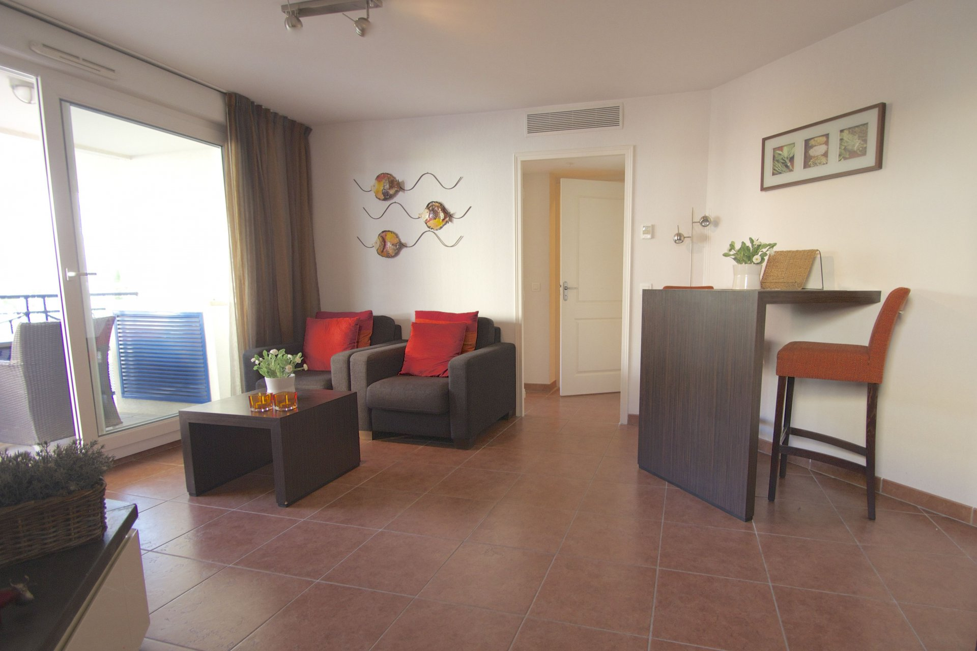 Luxury apartment with GARAGE in the centre of Sainte Maxime, 150 m. from the coast!