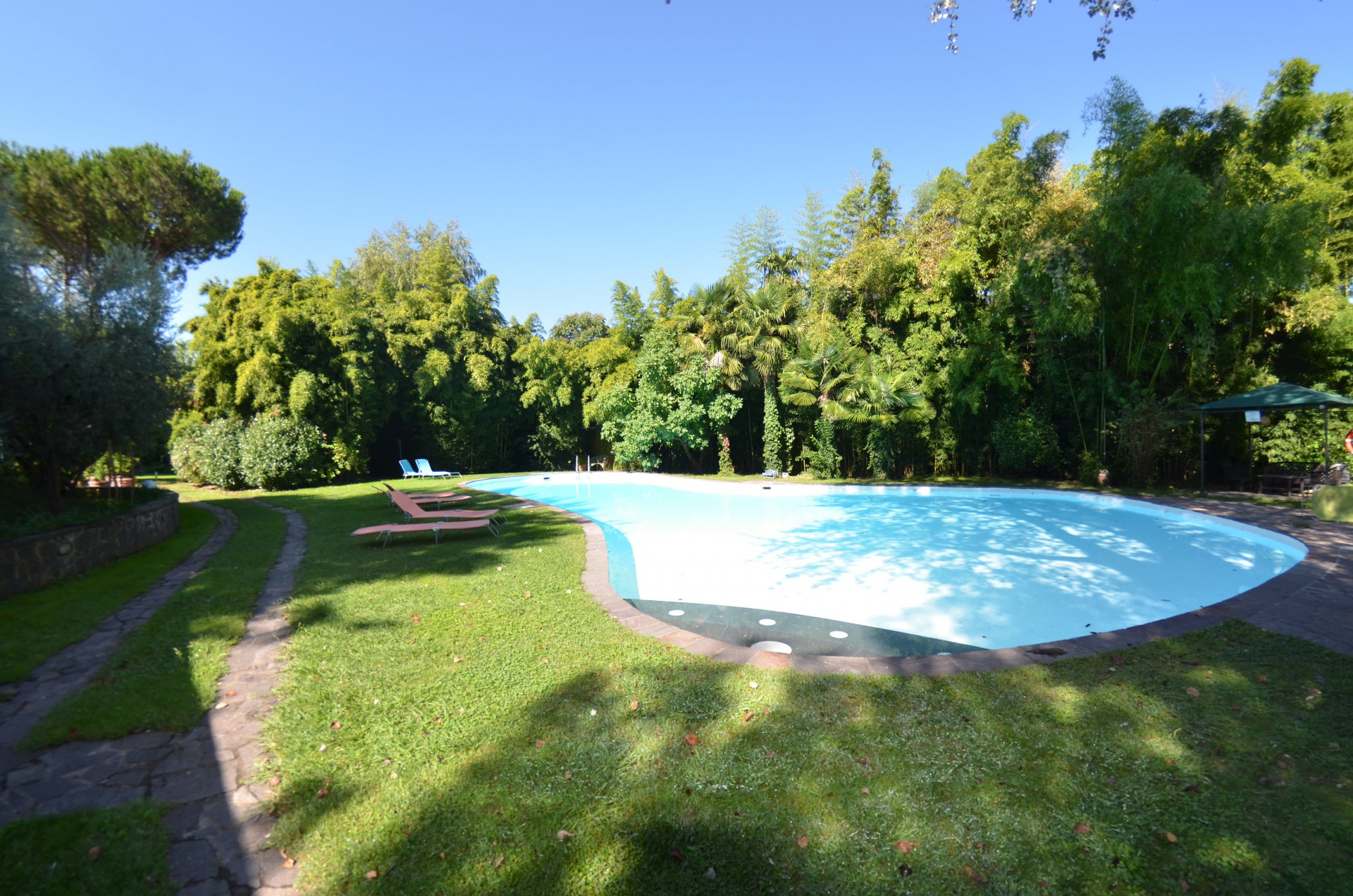 BEAUTIFUL POOL APARTMENT 2 PERSONS IN LUCCA