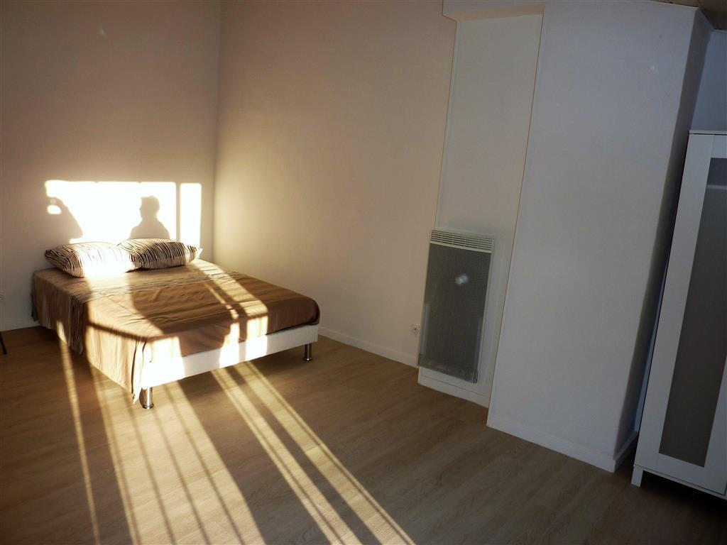 Vieil Antibes, studio au dernier étage