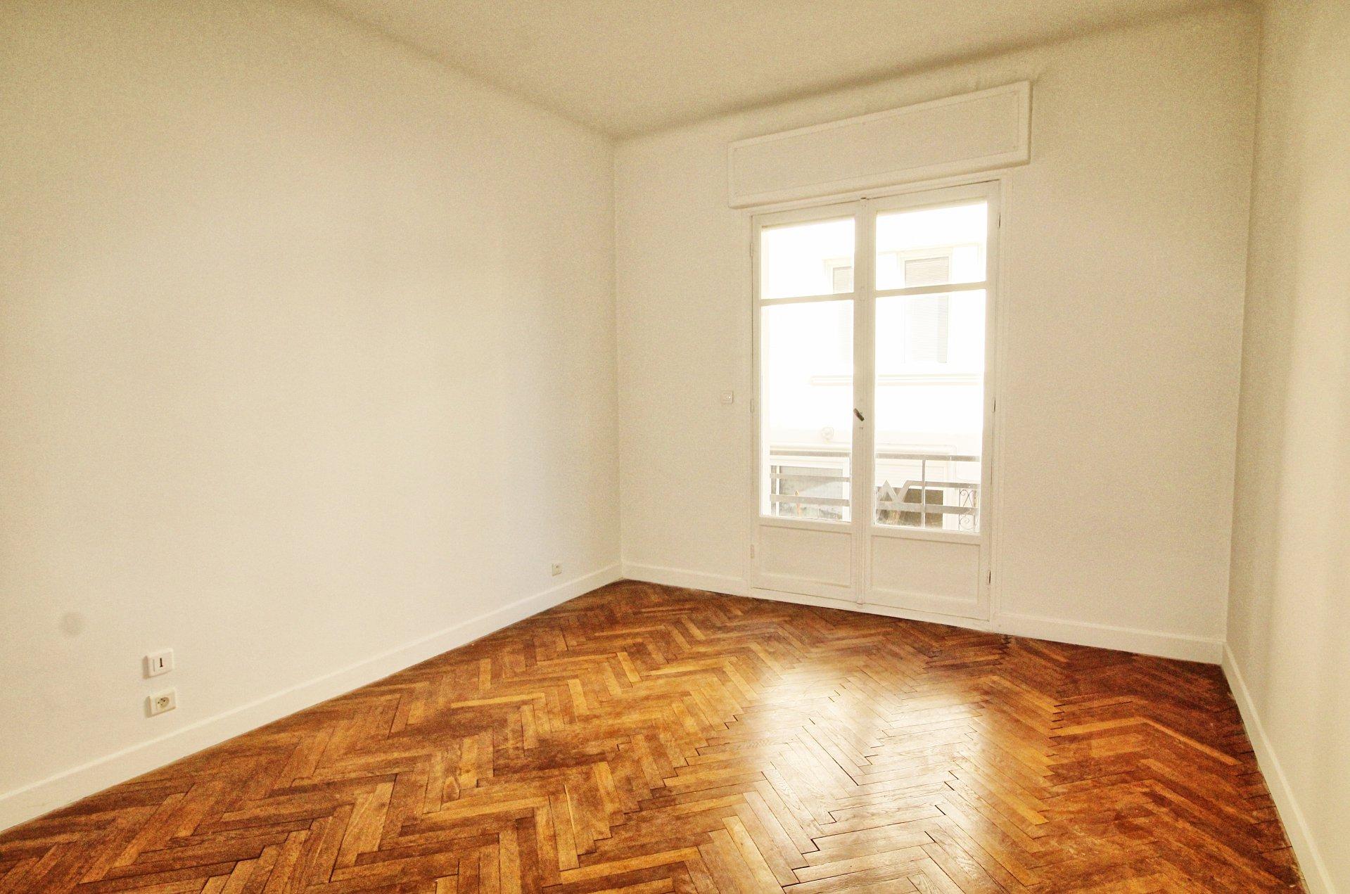 Chambre, parquet, deux pièces, appartement à vendre, cimiez