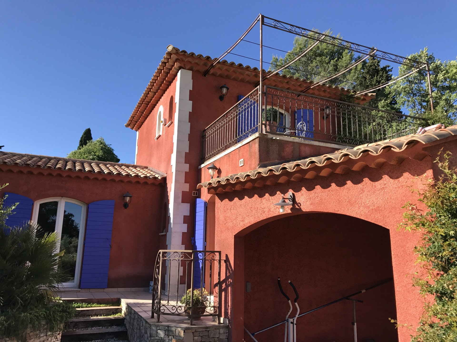 Good quality house for sale in a nice area.